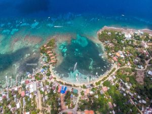 Half Moon Bay - Honduras